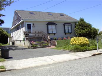 CLOSE TO BEACH AND TOWN 93697 - Image 1 - Cape May - rentals