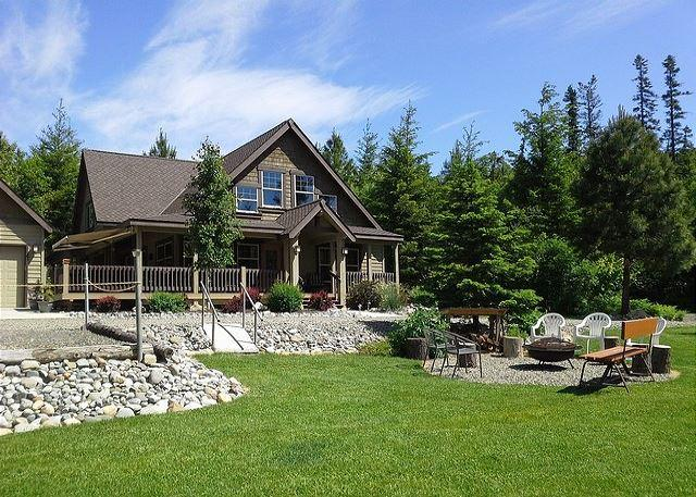Large Grass Area - Incredible Mt. Home! Huge Game Room|Hot Tub|Slps16|Wifi *Specials* - Ronald - rentals
