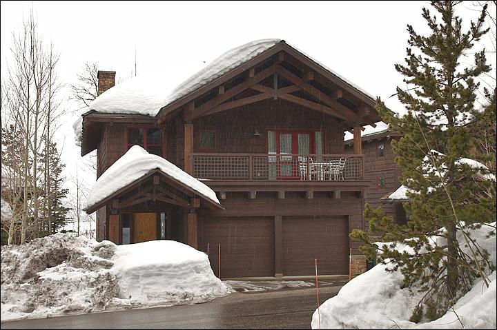 Exterior View of this large single family home at the base of Jackson Hole Mountain Resort. - Upscale Finishes & Furnishings Throughout - Access to Snake River Lodge & Spa Facilities (5014) - Jackson - rentals