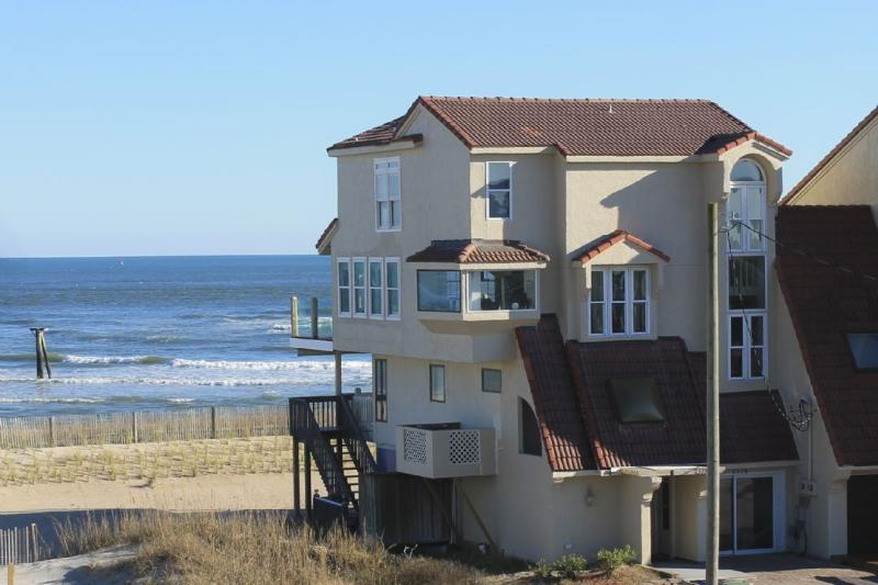 2378 New RIver Inlet Rd - New River Inlet Rd 2378 Oceanfront! | Internet, Fireplace, Game Equipment, Jacuzzi - North Topsail Beach - rentals