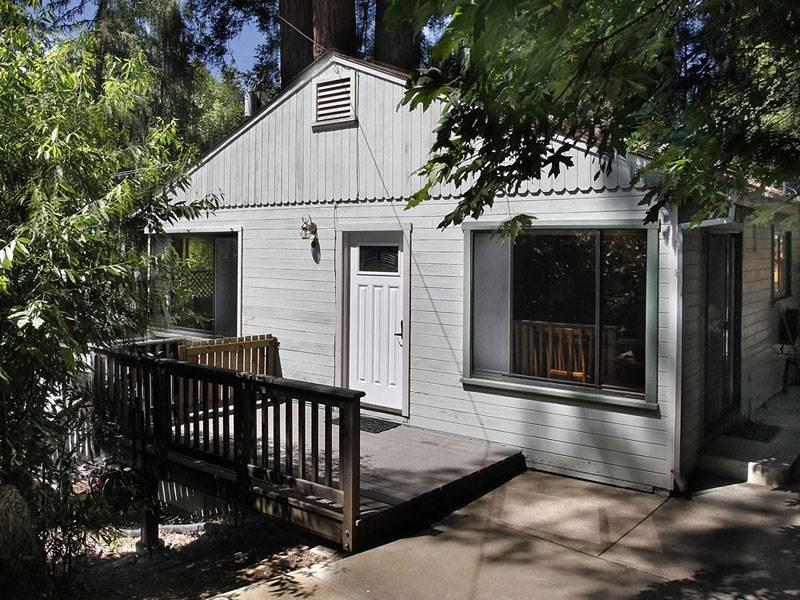 BLUE JAY HIDEAWAY - Image 1 - Guerneville - rentals