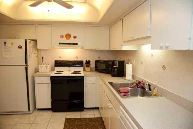 Kitchen - Gulfside Mid-Rise Unit 206E - Siesta Key - rentals