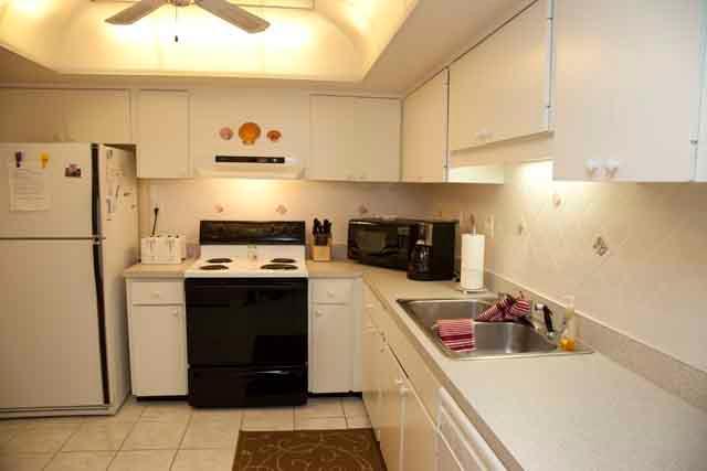 Kitchen - Gulfside Mid-Rise Unit 206E - Siesta Key - rentals