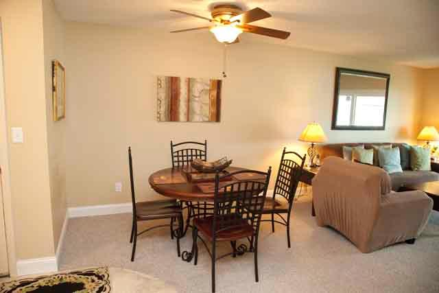 Dining Area - Bayfront Small Garden Unit E - Siesta Key - rentals
