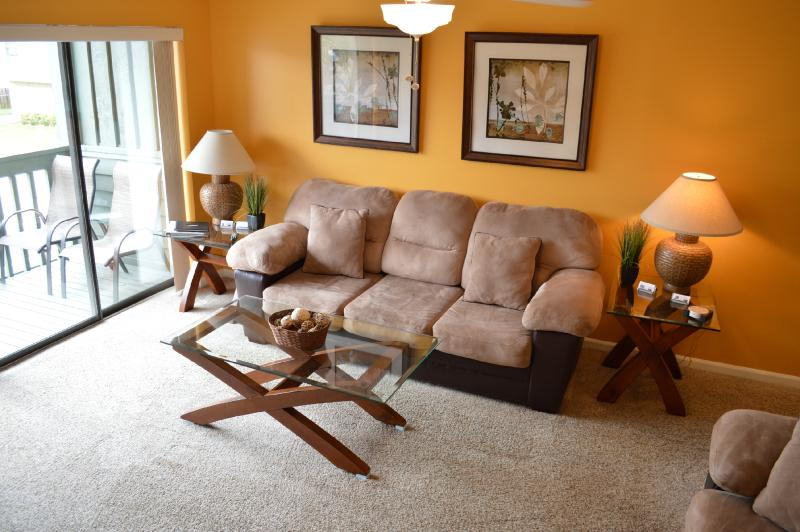 Warm Colors with balcony off the 2nd level - Warm Colors and Loads of amenities - Jacksonville Beach - rentals