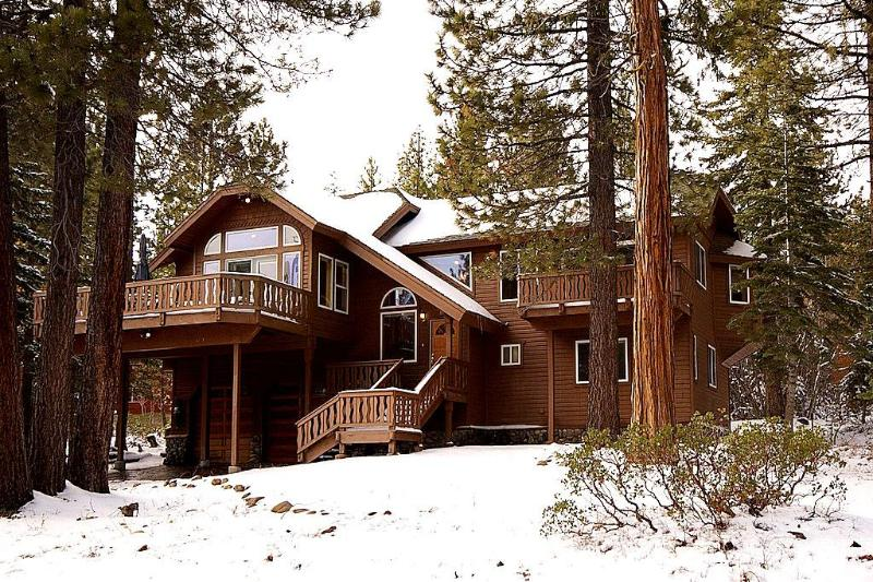 Big Pine Tree Lodge First Snow - Big Pine Tree Lodge, Tahoe City & Tahoe Park CA - Tahoe City - rentals