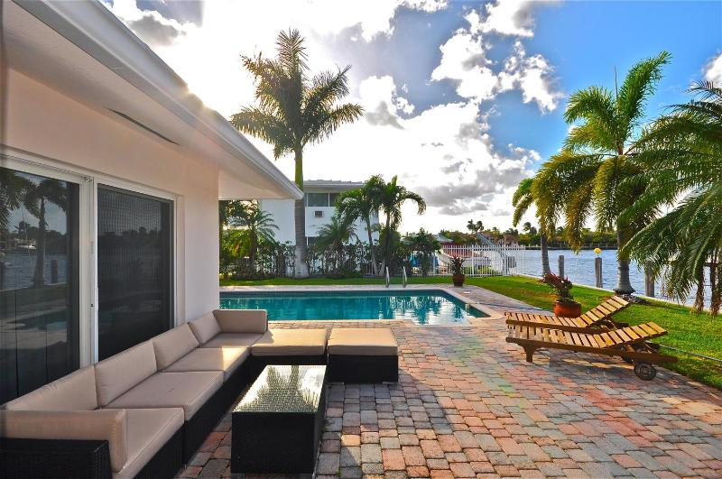 Your own private retreat! - 4 BD Luxury Villa on Intracoastal  w/Pool Ft Laud - Fort Lauderdale - rentals