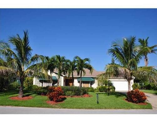 Short Beautiful Walk to Beach from this 3 /3 home! - Image 1 - Juno Beach - rentals