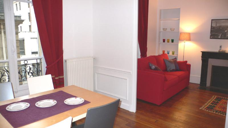 A double living room with a sitting room and a dining room. - One bedroom   Paris Saint Germain des Pres district (322) - Paris - rentals