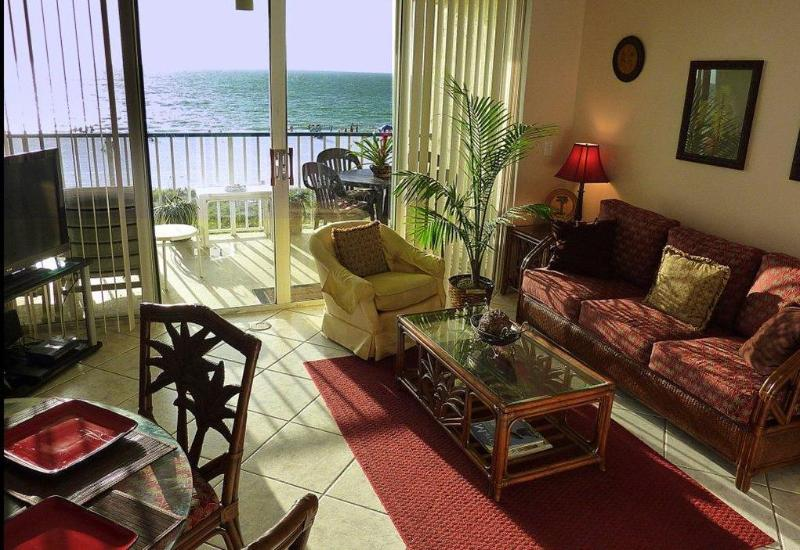 LIVING ROOM WITH QUEEN SOFA BED - Beachfront Condo with extras+++ * SUMMER SPECIALS* - Marco Island - rentals