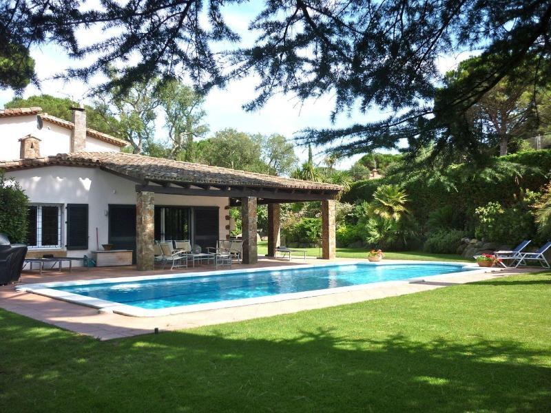 """Garden + Pool - A stylish and luxury 4 bedroom villa """"El Boelie"""" - Santa Cristina d'Aro - rentals"""