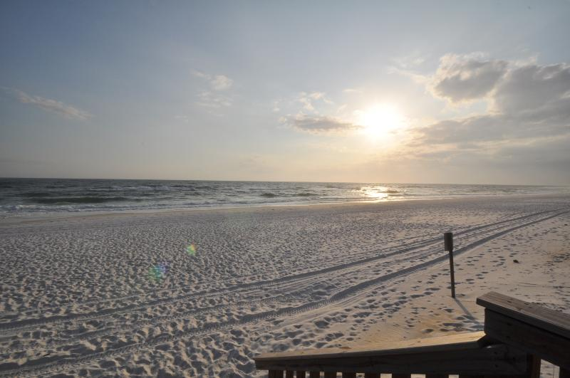 """""""Summerlin 102"""" Gulf Front, looks right over pool, sleeps 8 - Image 1 - Fort Walton Beach - rentals"""