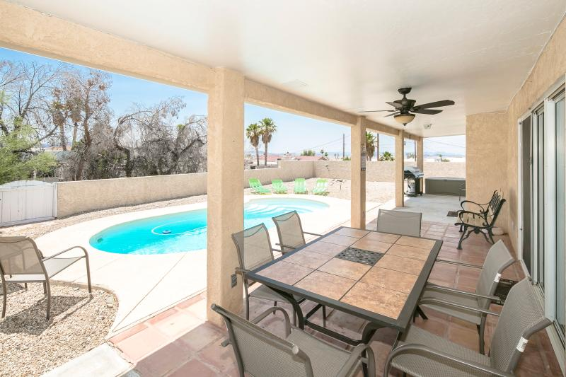 Backyard Covered Patio Area with Ceiling Fans - Spacious 3bed/3bath home w/ Heated Pool - Lake Havasu City - rentals