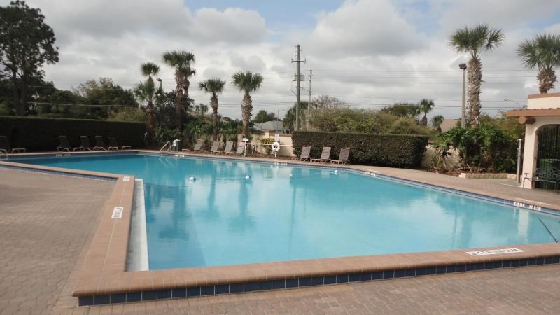 Community Pool - Lovely House near Disney World ( No hidden Fees ) - Kissimmee - rentals