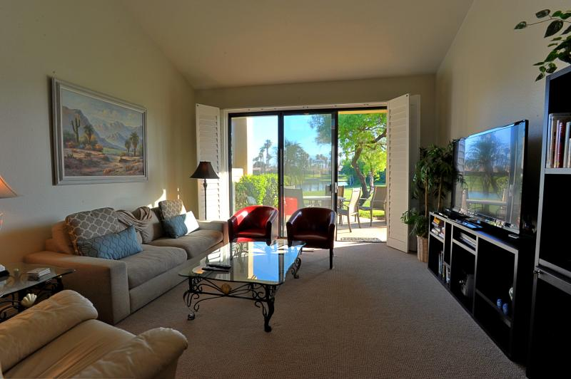 Family/Living Room - Newly Updated Palm Valley Condo  - Gorgeous Views - Palm Desert - rentals