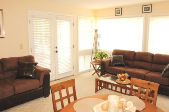 Great 2/2 Condo 1 Block to the Beach..2 Pools, Tennis, clubhouse.. 3-212 - Image 1 - Myrtle Beach - rentals