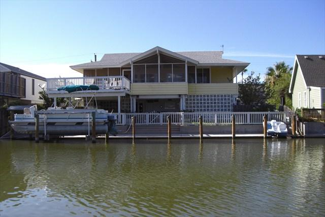 Back view of our home - The Marina House - Marina House - Waterfront home for $399 a night - Rockport - rentals
