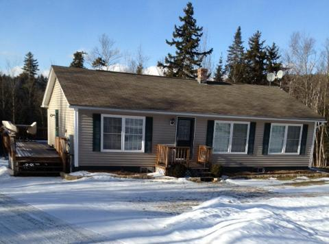 Front of Home - Kilburn North Studio with king bed - sleeps 2 - Littleton - rentals