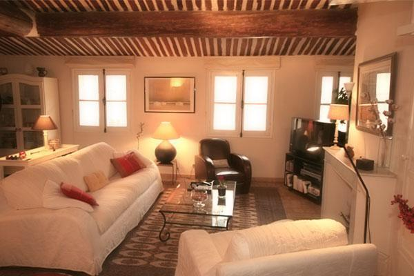 3 Bedroom Apartment Entrecasteaux with Terrace, Downtown Aix en Provence - Image 1 - Aix-en-Provence - rentals