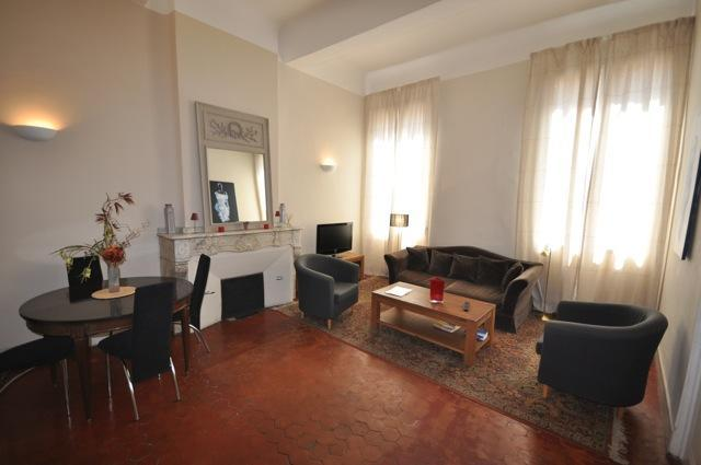 Apartment Mirabeau 1BR location N°1 Aix en Proven - Image 1 - Aix-en-Provence - rentals