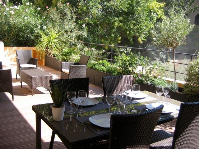 2 Bedroom Apartment Pasteur with Amazing Terrace, - Image 1 - Aix-en-Provence - rentals