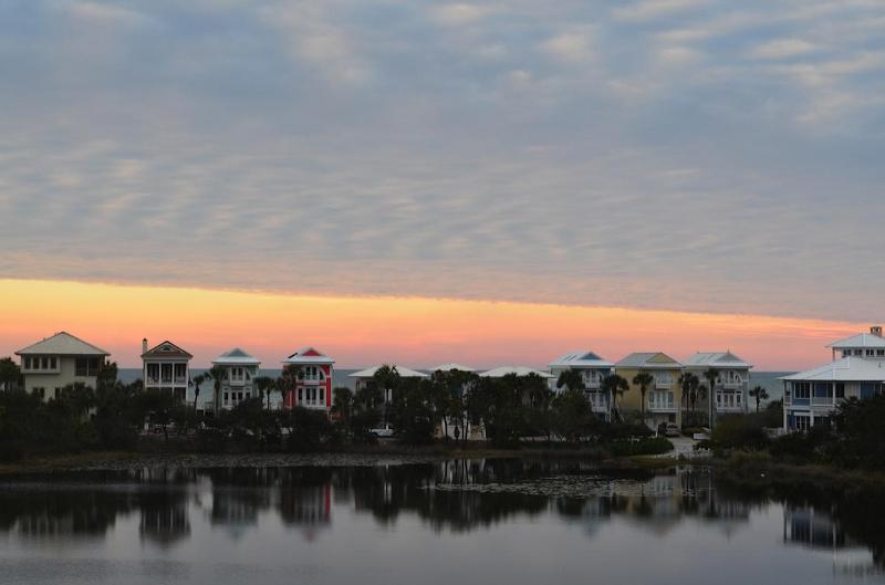 'Lake&Sea' 3 bedroom- 3 full bath Townhome on Lake - Image 1 - Panama City Beach - rentals