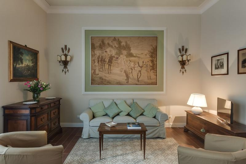 Florence, historic centre, 2 bedrooms, wifi, A/C - Image 1 - Florence - rentals