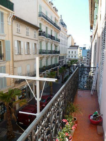 Cannes center, beach  2 bd apartment with balcony - Image 1 - Cannes - rentals