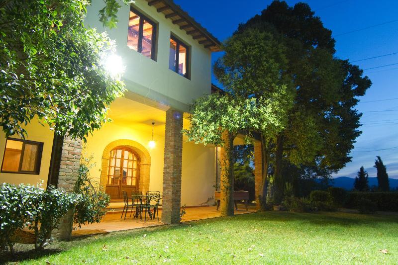 Entrance to La Loggia - Boutique apartment on exclusive winery estate - Terranuova Bracciolini - rentals