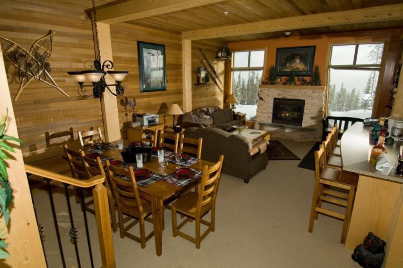 Comfortable/Cozy Ski Condo Big White BC Ski in/out - Image 1 - Big White - rentals