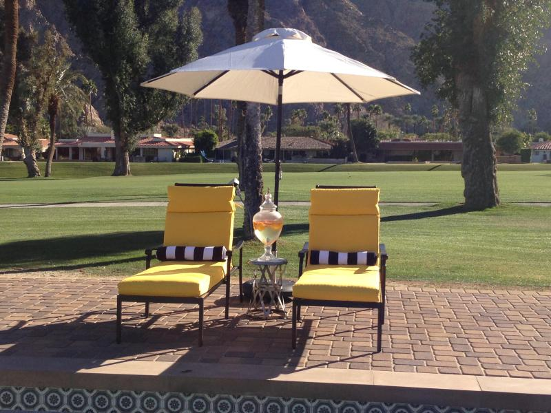 Enjoy the Indian Wells country club golf views and the Santa Rosa Mountains! - Mid Century Hollywood On Indian Wells Golf Course - Indian Wells - rentals