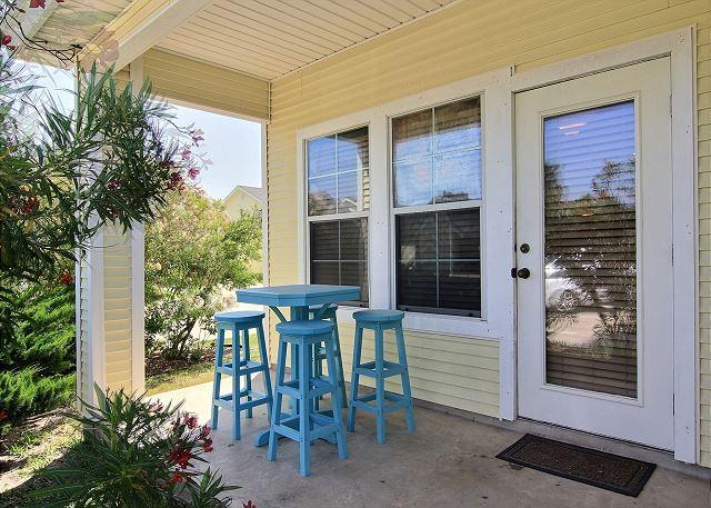 Super cute 2 bedroom townhouse located close to everything! - Image 1 - Port Aransas - rentals