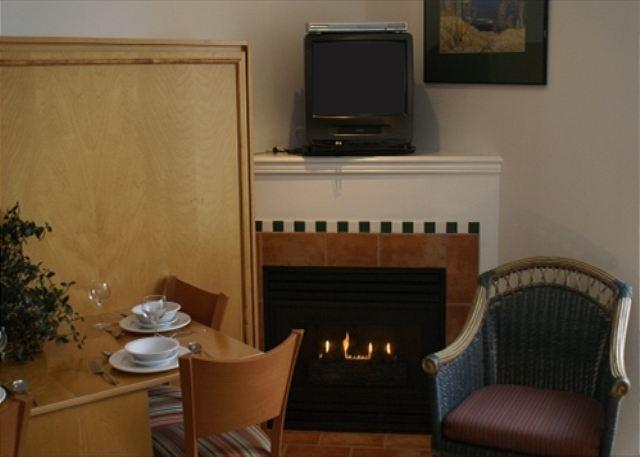 Fireplace - Alpenglow 404 - Central location, free internet, pool, hot tub and gym - Whistler - rentals