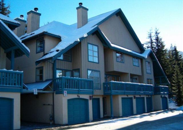 Forest Trails 37 - Deluxe 2 bedroom + den with 3 full bathrooms - Image 1 - Whistler - rentals