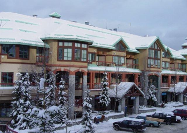 Market Pavilion 303 - Great village location, free parking and wifi - Image 1 - Whistler - rentals