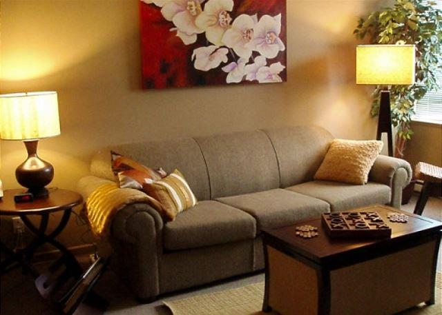 Living area - Market Pavilion 303 - Great village location, free parking and wifi - Whistler - rentals