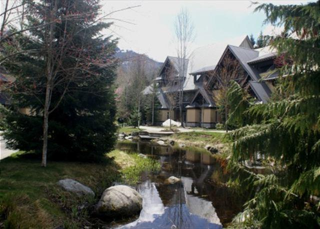 Stoney Creek Lagoons 32 - Conveniently located, private hot tub, free parking - Image 1 - Whistler - rentals