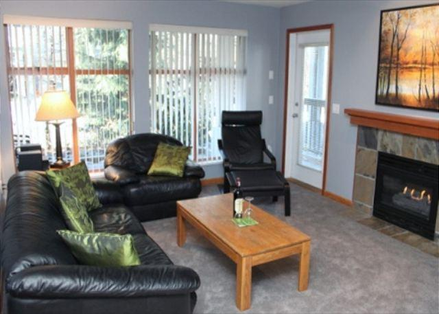 Living Room - Stoney Creek Northstar 122 -  1 bedroom condo in Whistler Village - Whistler - rentals