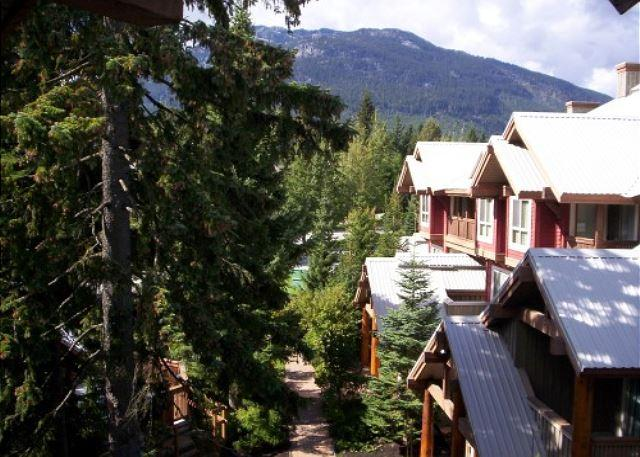 Symphony 29 - 2 bedroom, hot tub access & free wifi on free shuttle route - Image 1 - Whistler - rentals