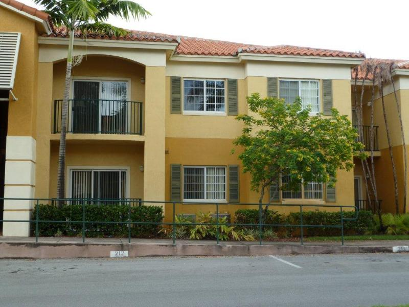 Vista Frontal - Doral, Two Bedroom Two full baths, Dos dormitorios - Doral - rentals