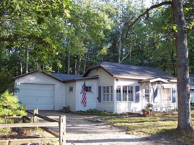 Torch Lake Charmer ... - Crystal Beach Cottage - Rapid City - rentals