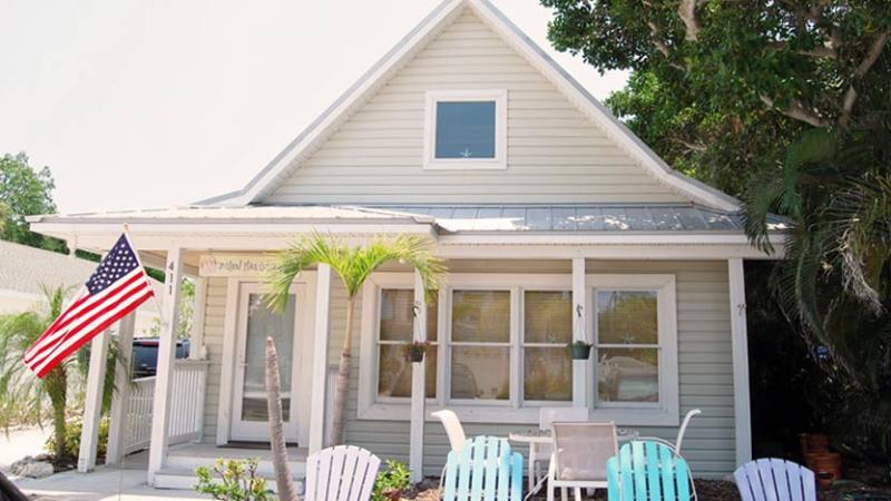 View from Street - Island Place Cottage: 1BR Pet-Friendly Cottage - Anna Maria - rentals