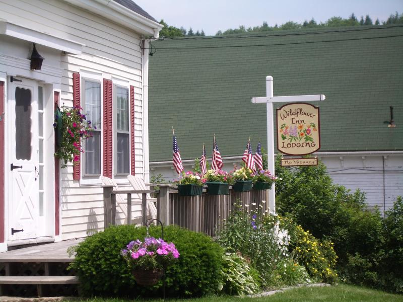 Wildflower Inn.  Your pretty home.  Relax and have the house for your family! - Wildflower Inn - Vacation Home Rental - East Machias - rentals