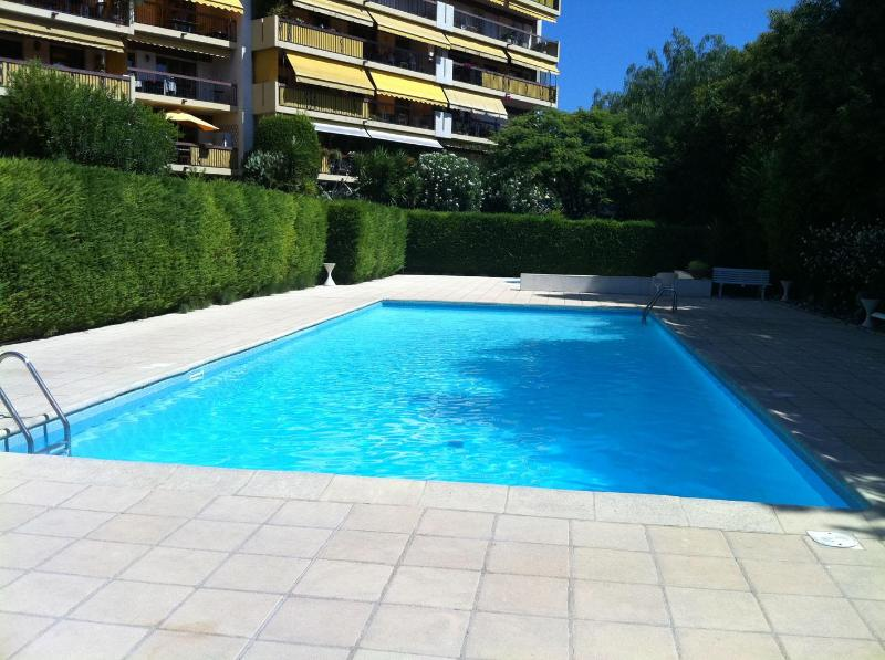 Pool Area - High End Apartment, 2 large balconies & sea views! - Antibes - rentals
