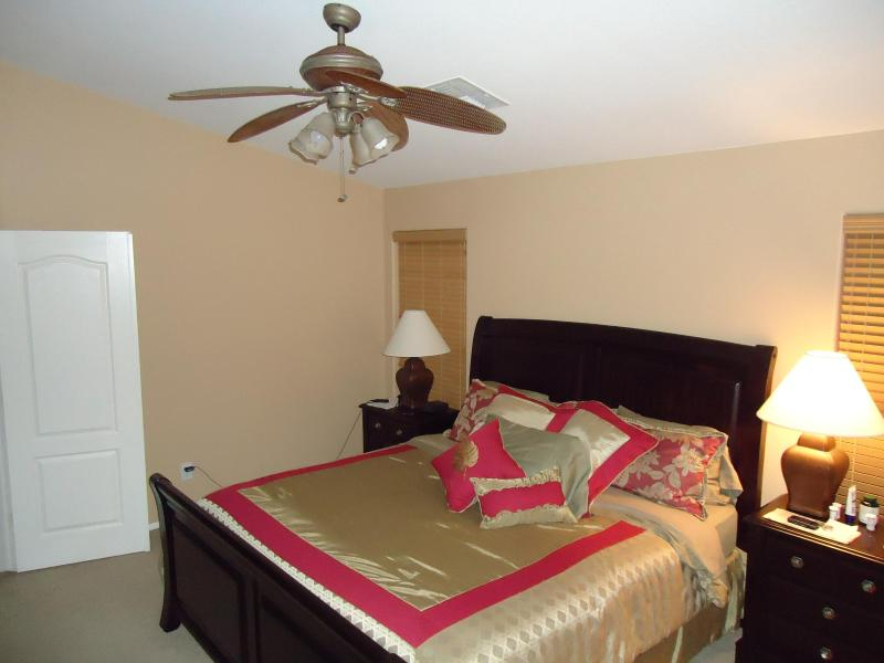 Master Bedroom with King size bed ensuite and a 32