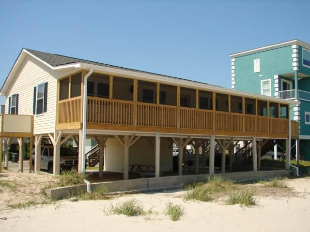 "316 Palmetto Blvd - ""Sandy Beach"" - Image 1 - Edisto Beach - rentals"