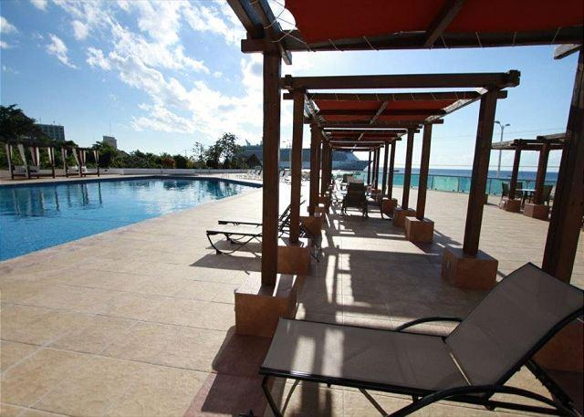 Sun or Shade Your Choice! - Across the road from the ocean with all amenities - Cozumel - rentals