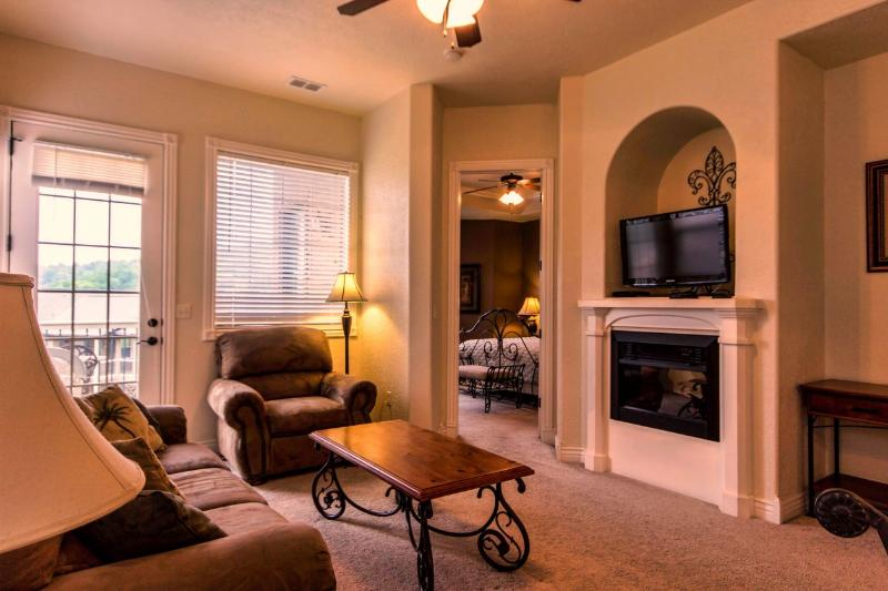 Branson Vacation Rental | Eagles Nest | Indian Point | Silver Dollar City | Pool (3310601) - Image 1 - Branson - rentals