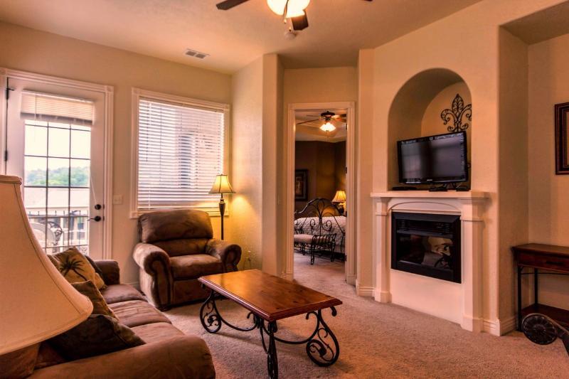 Branson Vacation Rental | Eagles Nest | Indian Point | Silver Dollar City - Image 1 - Branson - rentals