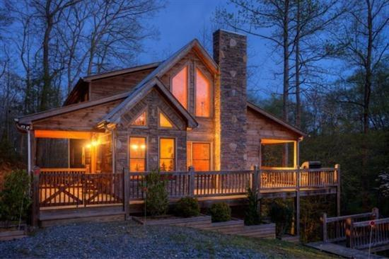 Cabin at dusk - Bear Feet Retreat - Morganton GA - Blue Ridge - rentals